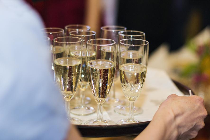 8 lampka szampana dla wszystkich