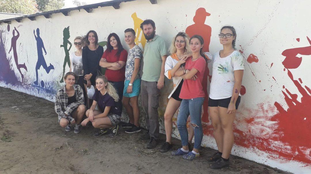 Mural namalowany przez uczniów klasy 3LP i 2LP